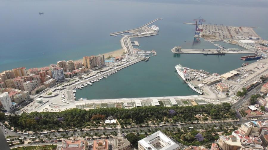 Espa a busca aumentar los tr ficos con los principales puertos de latinoam rica - Fotografia aerea malaga ...